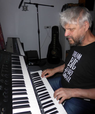 Martin McCoy playing Synthesizer